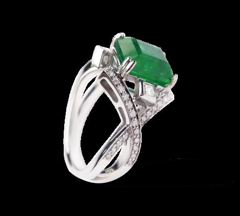 Кольцо из белого золота с бриллиантами и изумрудом, артикул 33055-2 - Baskrin
