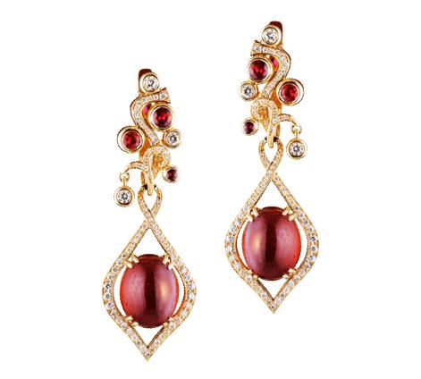 Золотые серьги со вставками из бриллиантов и рубинов                                                                                                                                                                                                         , артикул 43435 - Baskrin