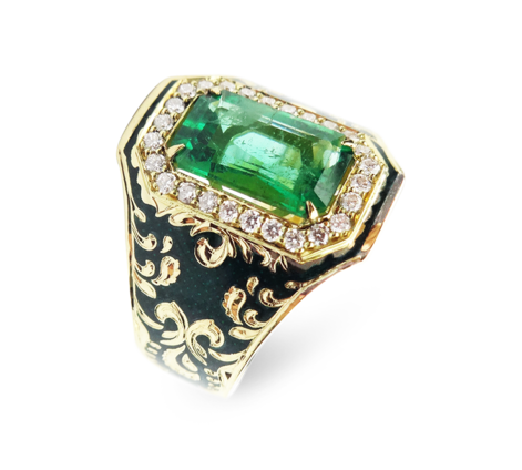 Кольцо из золота с бриллиантами и изумрудом, артикул 33288 - Baskrin
