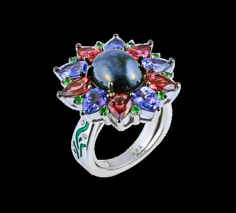 Кольцо из белого золота с бриллиантами, турмалинами, цаворитами, цитринами и сапфиром, артикул 33446 - Baskrin