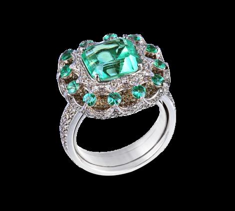 Кольцо из белого золота с бриллиантами и изумрудами, артикул 33431 - Baskrin