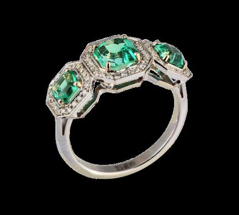 Кольцо из белого золота с бриллиантами и изумрудами, артикул 33414-1 - Baskrin