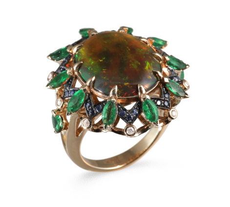 Кольцо из золота с бриллиантами, изумрудами, сапфирами, опалом, артикул 33518 - Baskrin