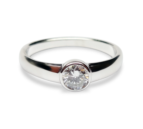 Кольцо из белого золота с бриллиантами, артикул 33245 - Baskrin